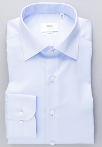 Eterna Hemd MODERN FIT TWILL hellblau mit Classic Kent Kragen in moderner Schnittform